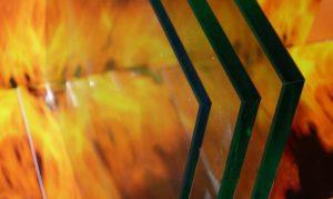 обработанная кромка огнеупорного стекла